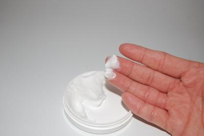 Haarentfernung mit Enthaarungscreme